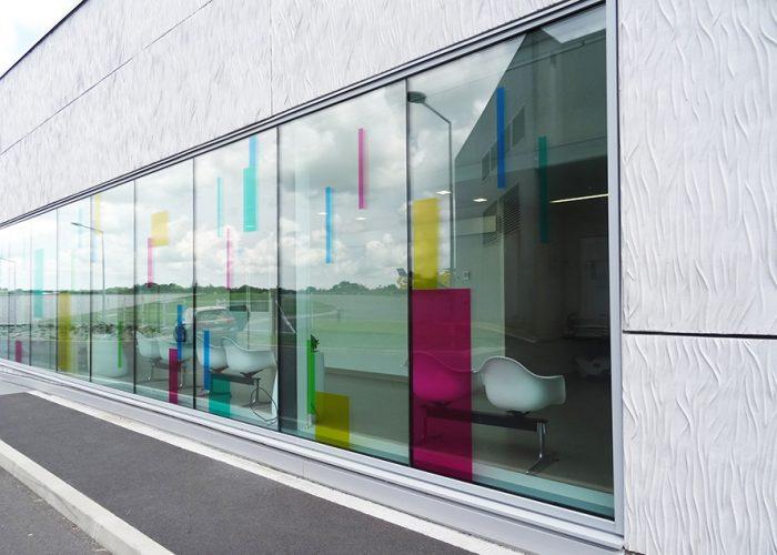 Signalétique des urgences - Décor sur vitre