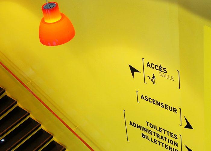 Signalétique du théâtre - Jalonnement dans escalier