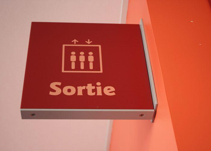 Signalétique du centre hospitalier - Détail drapeau d'identification