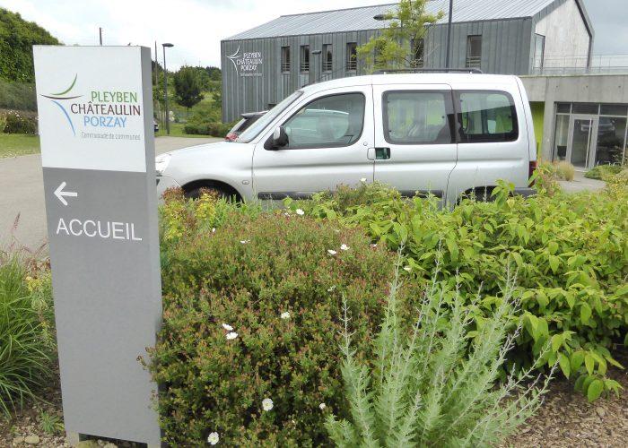 Totem parking directionnel enseigne communauté de communes